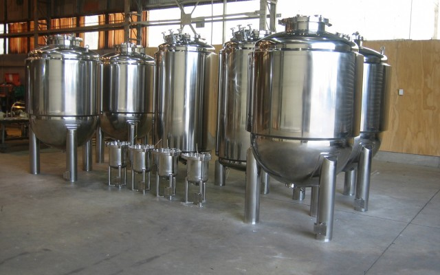 Holding and Mixing Tanks